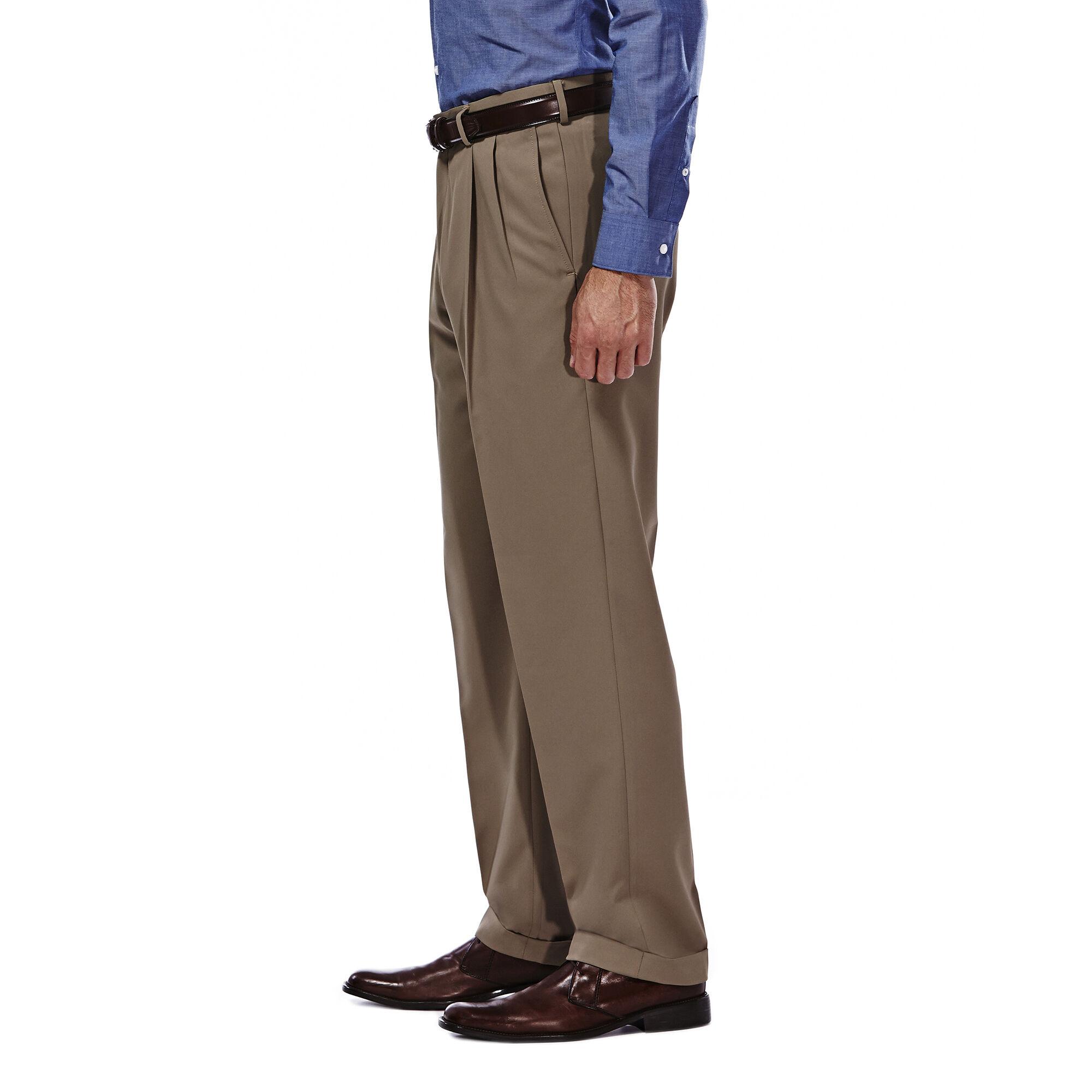Haggar Men/'s Mynx Gabardine Pleat-Front Dress Pant W// Hidden Expandable Waist